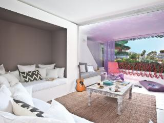 Last Minute Luxury Apartment Ibiza! L10