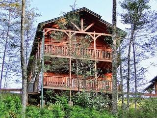 Relaxation-Beautiful luxury cabin in Gatlinburg TN