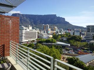 Upmarket Apartment - Cape Town Table Mountain View, Cape Town Central