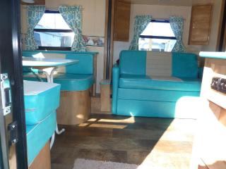 Happy Days camper-sleeps 2-3