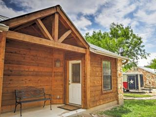NEW! Wonderful 1BR Lakehills Cabin w/Balcony!