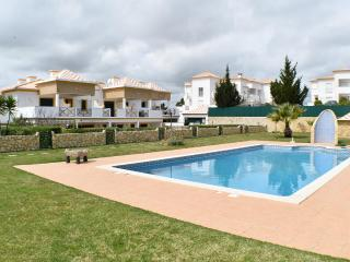 3 bedrooms house 15min walk from Albufeira