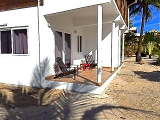 Seaside Apartment on Private Beach, Placencia