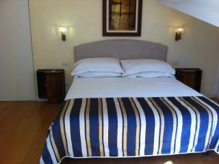 2nd Floor: Bedroom