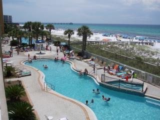 AZURE * Gulf-Front * FREE Beach Setup!!