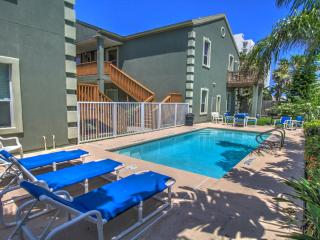 NO BOOKING FEE, steps to beach, 21+, WiFi, 4 beds, parking, pool, 2/2, W/D