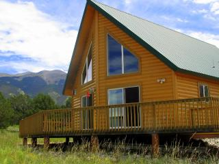 Secluded cabin minutes from The Great Sand Dunes