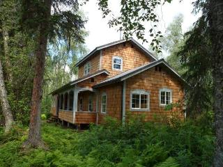 Charming Off-Grid Talkeetna Cabin