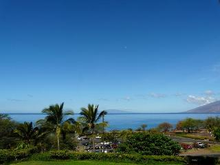 Maui Kamaole Front Row Perfect Location to Beach, Kihei