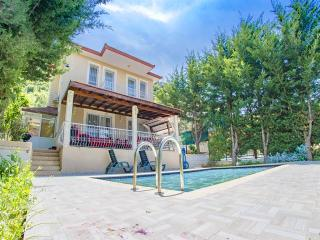 NEAR OLUDENİZ 3 BEEDROOM LUXURY VİLLA, Hisaronu