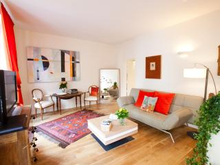 St Germain de Pres Vacation Rental at Mabillon