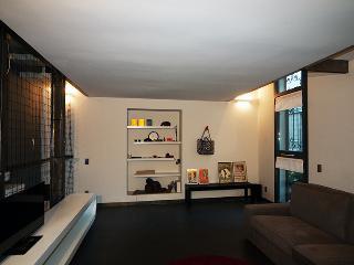 in darsena a Milano appartamento su piu livelli