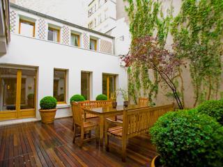 Marais Terrace, a large duplex rarity in Paris!, París
