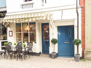 BAKER'S RETREAT, character apartment, WiFi, beams, access to dining terrace, discount in restaurant below in Ludlow, Ref 933101