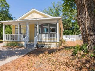 Charming Cottage in the Heart of Lincolnville, St. Augustine