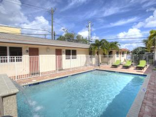 1BR Villa newly remodeled by Ocean,Beach,new pool, Lauderdale by the Sea