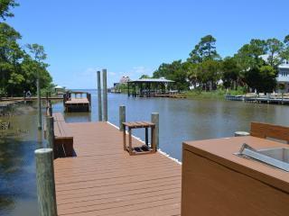 CANAL FRONT WITH DOCK AND  BOAT LAUNCH, CLOSE TO BEACH, PERFECT LOCATION!