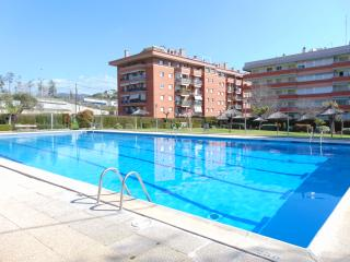 Wifi, parking, pool and gardens, Arenys de Mar