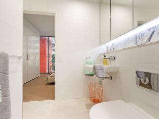 SYDNEY CBD FULLY SELF CONTAINED MODERN 1 BED APARTMENT (402ALB), Sydney