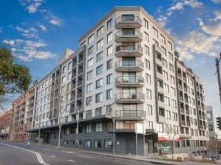 PYRMONT FULLY SELF CONTAINED MODERN 1 BED APARTMENT (4HAR), Sídney
