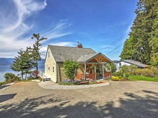 'Mountain View Beach House at Seabeck' 4BR Home w/Wifi, Private Beach Access & Expansive Yard - Breathtaking Views of Olympic National Park!