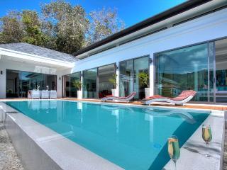 Luxueuse Villa 2 suites service VIP 5***** plages, Rawai