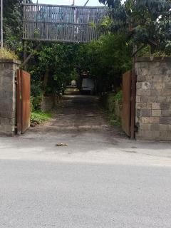The entrance to Casa Carolina from the Via Rota.