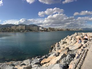 Carihuela 20 de linea de playa , vistas al mar