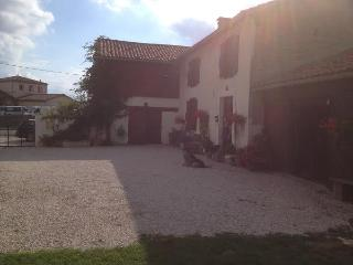 Chambres d'hotes / Bed & Breakfast  Les Glycines, Saint-Gaudens
