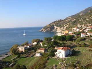 Isola d'elba  casetta azzura 20 metri dal mare