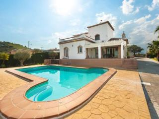 Stunning private hire villa with pool and views!! Villa Tajoma