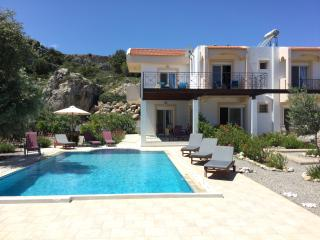 Luxury Villa, Large Heated Private Pool
