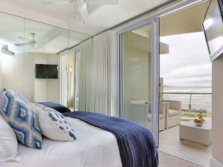 Luxurious Ocean View Apartment in Lagoon Beach