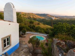 Aldeia da Mata Pequena with private pool (6 pers), Mafra