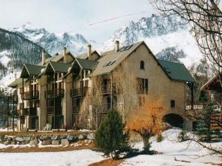 Gorgeous flat with mountain views, Le Monetier-les-Bains