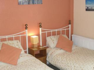 Lyndale Guest House Twin Room, Weymouth