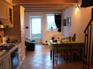 ICO2005 Casa Oro, Bellano
