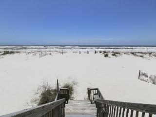Dorothy: A Waterfront Duplex on Gulf Shores Beach with Private Beach Access