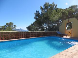Cala Conta Apartment 1, pool, great seaview, beach, Es Cubells