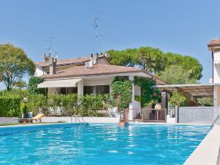 Villa per 10 persone con piscina a 1h da venezia