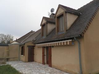 Gîte très agréable avec vu sur le village médiéval, Parnac