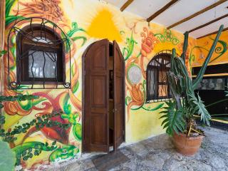 Loft #1 Corner To 5th Two Block From Coco Beach, Playa del Carmen