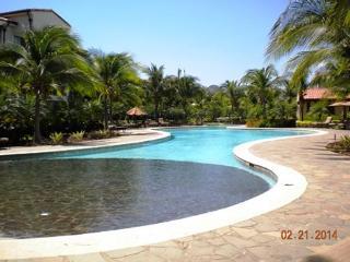Pacifico L202 - First Floor, 2 BR, 2 Bath, Pool Vi