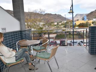 Beachapartment with balcony and comm. roofteracce, Puerto de Mogan