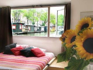 Rembrandt Houseboat, Amsterdam