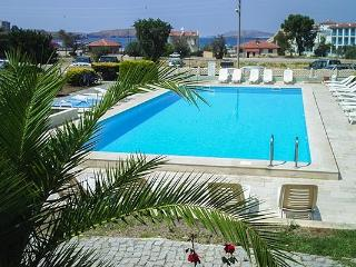 8 beds apartment near serviced beach, Foca