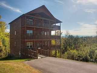 6BR Pigeon Forge Cabin w/View,gameroom& hot tub!