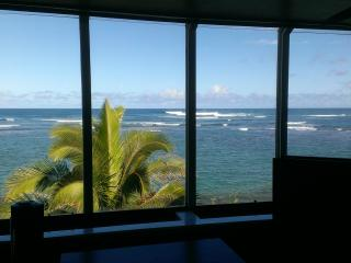 North Shore Oahu Beachfront Condo, 2BR / 2BA