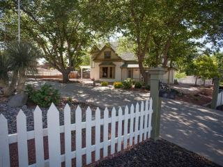 Spacious Historic St. George Home, For Family Reunion, Retreat, Group Vacations!