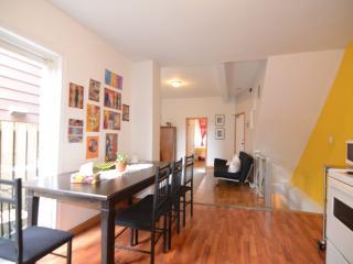 Upbeat Two Bedroom in Dundas West!, Toronto